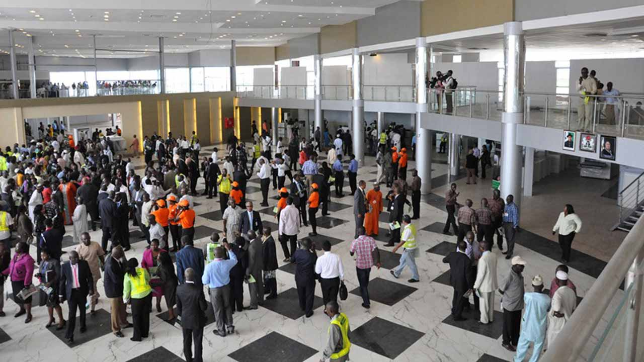 Travellers stranded as Aviation unions shutdown MM2