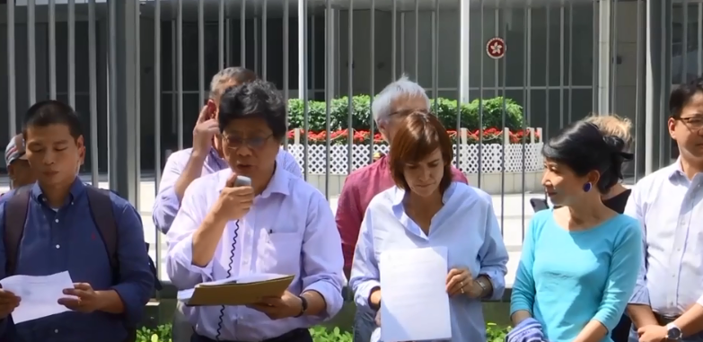 Journalists protest as 'prominent editor' is denied Hong Kong Visa