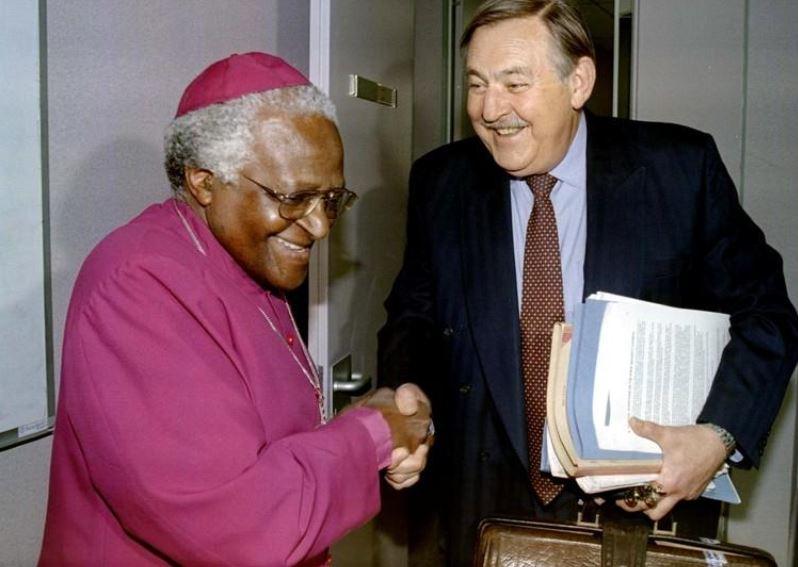 Pik Botha, global face of South Africa's apartheid state, dies at 86