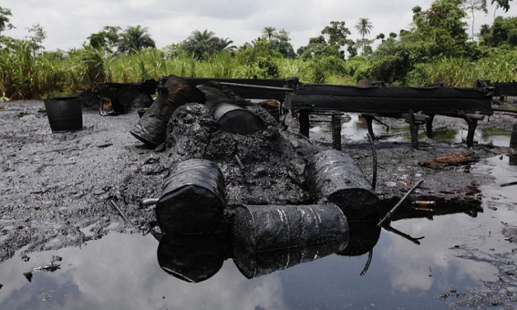 NSCDC Commandant warns officers against colluding with oil thieves