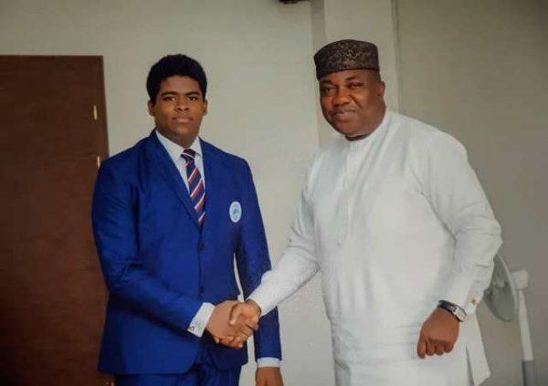 Enugu executive Council hosts NNPC 2018 Quiz winner
