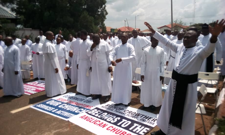 Niger Anglican Clergymen protest, barricade government house, Awka