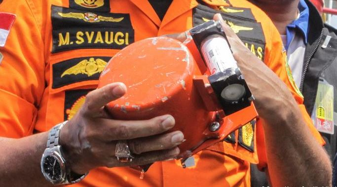 Lion Air crash: Plane's black box recovered
