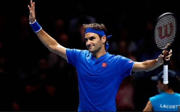 Federer outclasses Thiem, set for knockout stages of his 16th ATP Finals