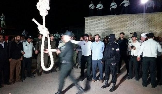 Two executed in Iran for financial crimes