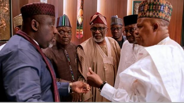 Nigerian governors reject 30,000 naira ($82) pay deal for workers