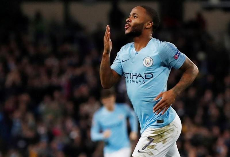 Man. City's Sterling signs 3 years contract extension worth 300,000 pounds/week