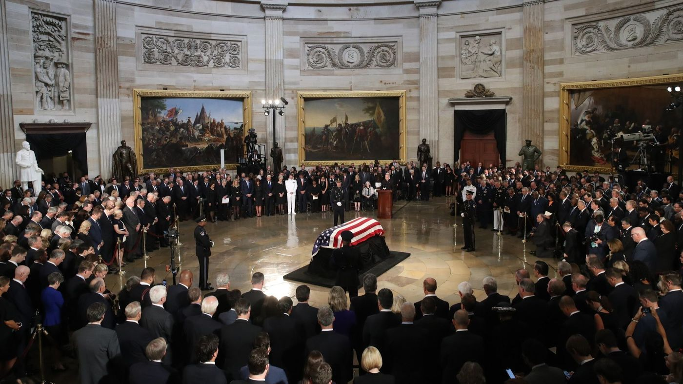 Mourners gather to pay last respect to 41st U.S. president, George H.W. Bush at U.S Capitol
