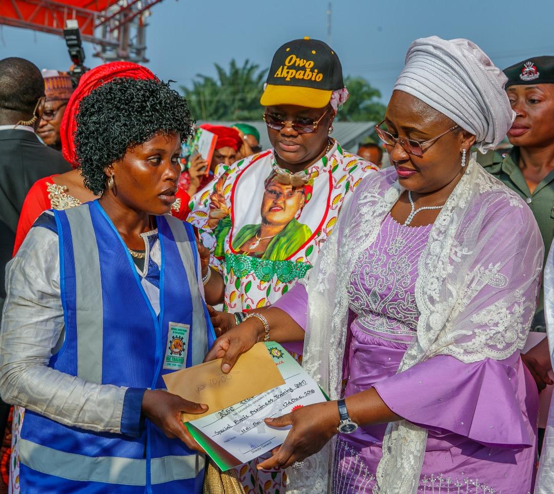 Aisha Buhari restates commitment to poverty reduction