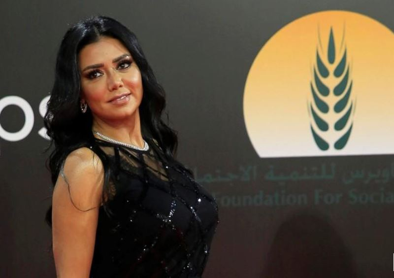 Lawsuits dropped against Egyptian actress over racy dress