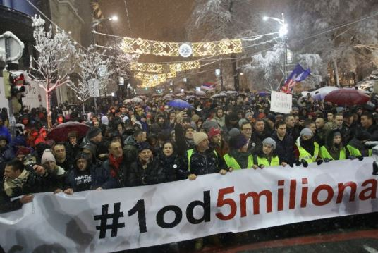Thousands of Serbians protest against President, chant anti-Vucic slogan