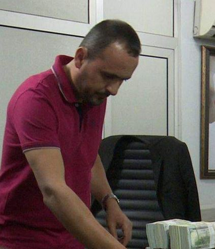 EFCC nabs Lebanese with Over $2m at Abuja Airport