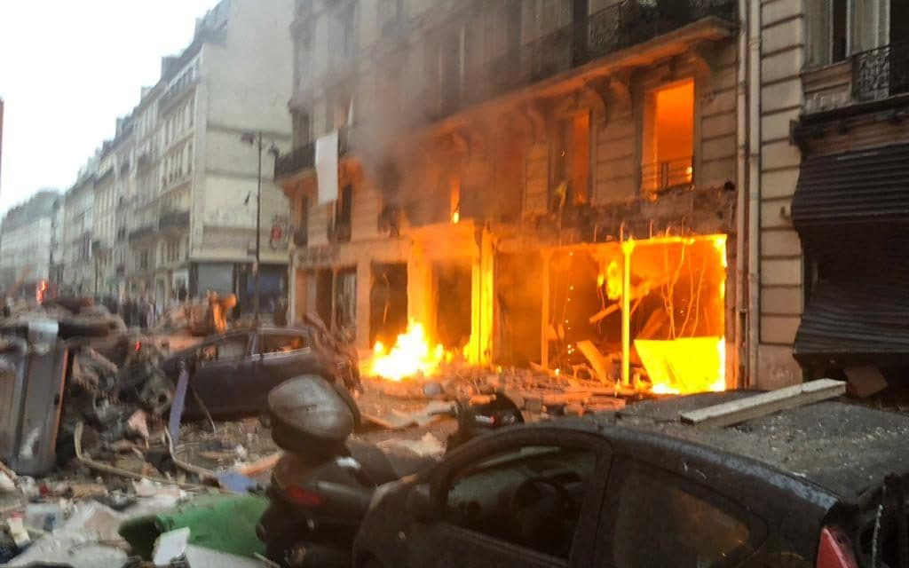 At least 20 injured in explosion at a Bakery in Paris