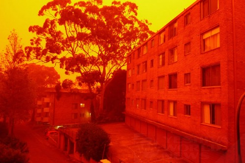 Dust storm sweeps over Australia, turns sky red