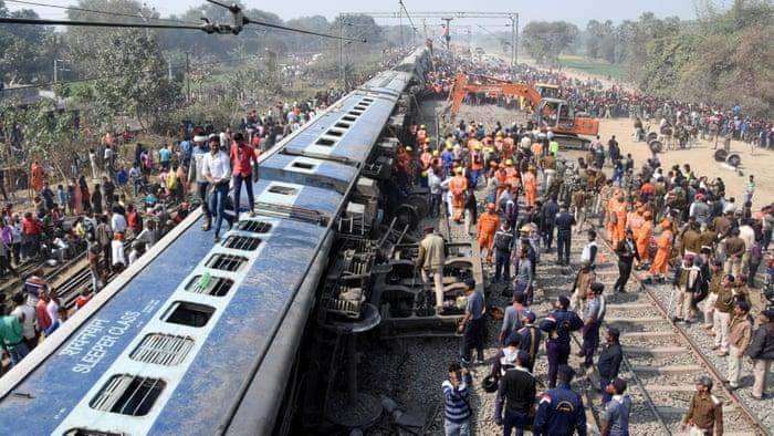 Train derails in India, kills seven persons in India