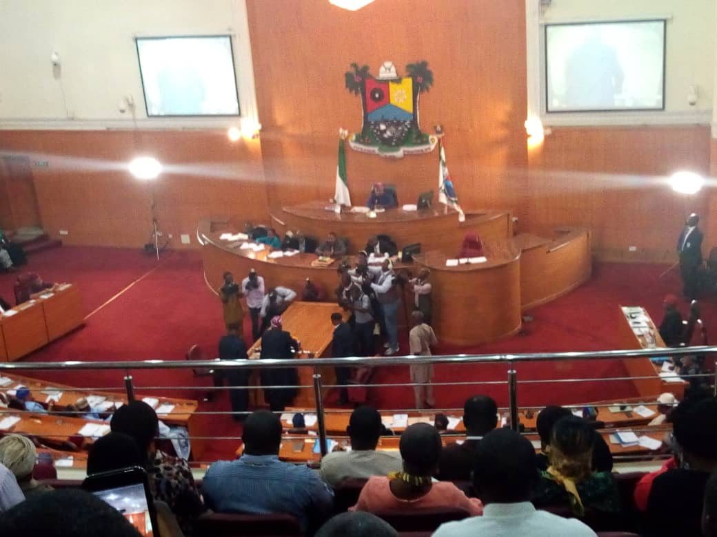 Ambode presents budget of N852.3bn for 2019
