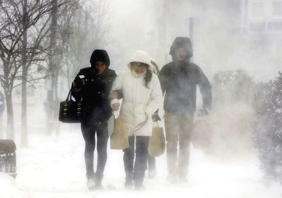 Polar vortex: Chicago temperature drops to minus 30 degrees Celsius