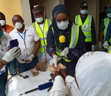 Coronavirus: FG begins disbursement of N20, 000 to poor Nigerians ...