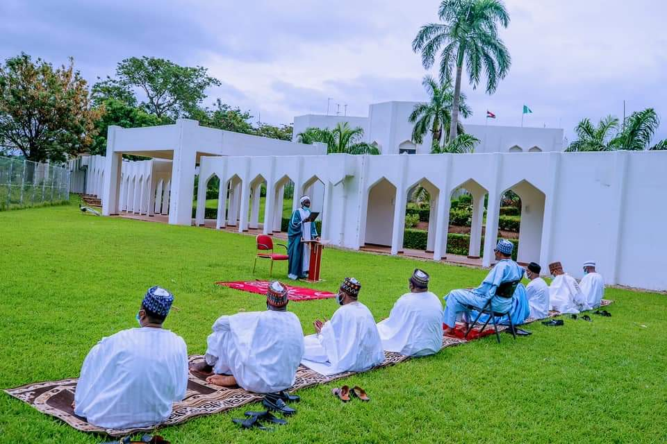 Buhari, family observe eid-el-fitr celebrations in State House ...