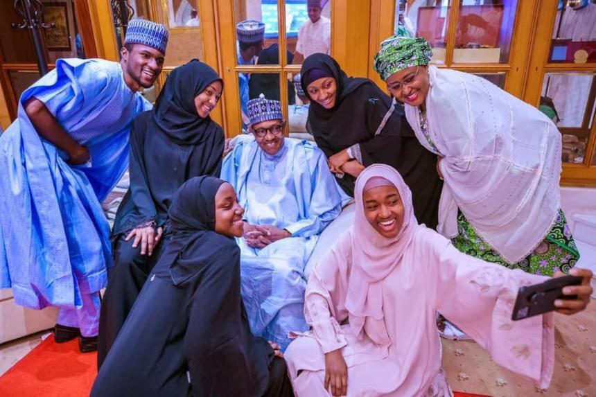 Photo Story: Buhari celebrates Eid-el-Fitri with family