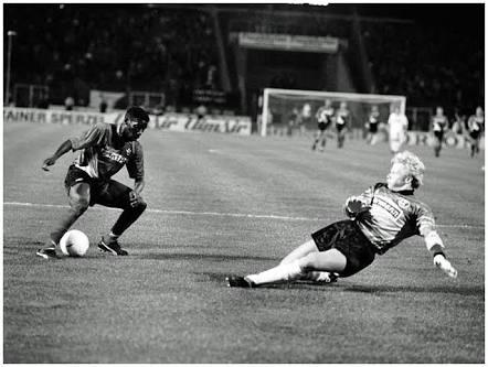 """Oliver Khan """"Still Dizzy"""" From 1993 Okocha Wonder Goal - Complete ..."""